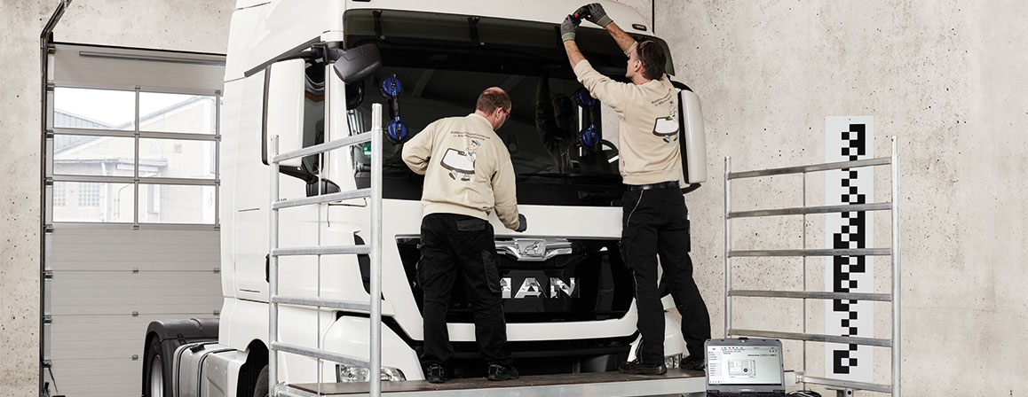 truck and technicians