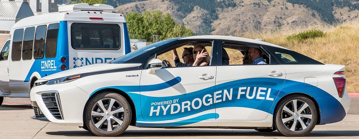 Hydrogen-powered vehicle